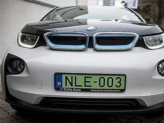 Két évvel hamarabb dobná piacra az elektromos autóit a BMW
