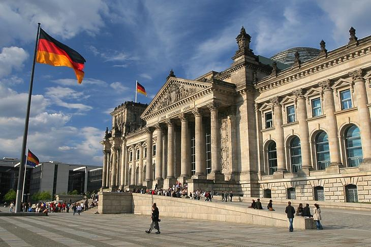 A magánszférába is belenyúl az állam - a német törvényhozás épülete Berlinben.  (Depositphotos/Jakub Cejpek)