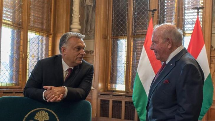 Orbán Viktor és David Cornstein (Forrás: az Egyesült Államok Nagykövetsége)