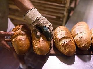 Varga szerint az elmúlt években csökkent a kenyér áfája, pedig azt még Bajnaiék vitték lejjebb