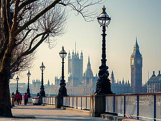 5,8 százalékkal zuhant be a brit gazdaság csak márciusban