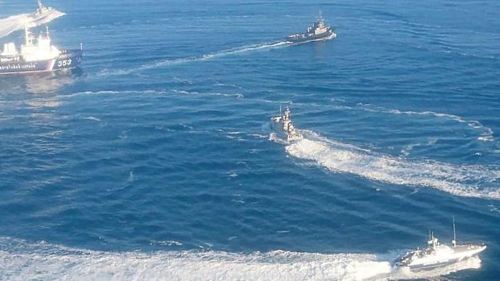 Orosz hajók támadnak az ukránokra. (Forrás: Getty)