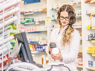 Vizsgálatot indított a GVH a gyógyszer nagykereskedők és patikák közti kapcsolatrendszerek miatt