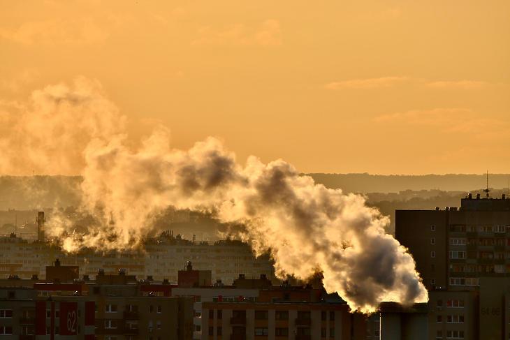 Pénzbüntetés jár, ha nem csökkentjük a légszennyezettséget. Fotó: Levegő Munkacsoport