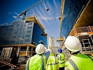 Továbbra is hullámzó az építőipar teljesítménye