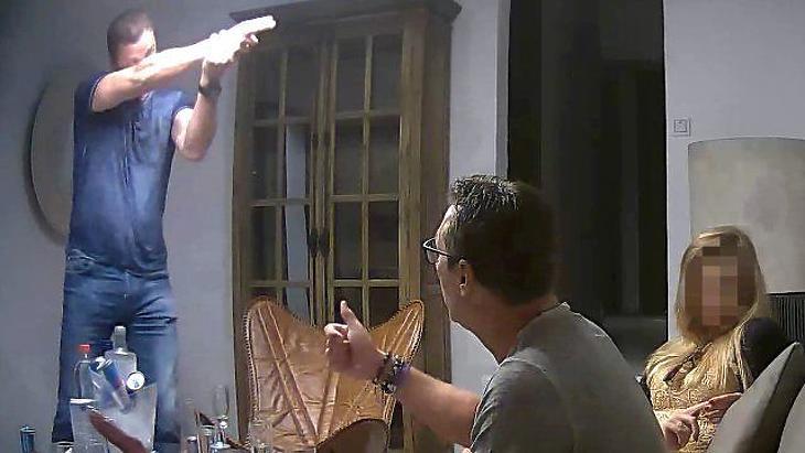 Részlet az ibizai videóból (Forrás: Spiegel)