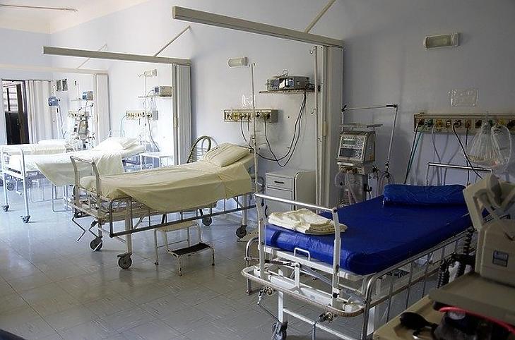 Nem csökkennek a kórházi adósságok. Fotó: Pixabay