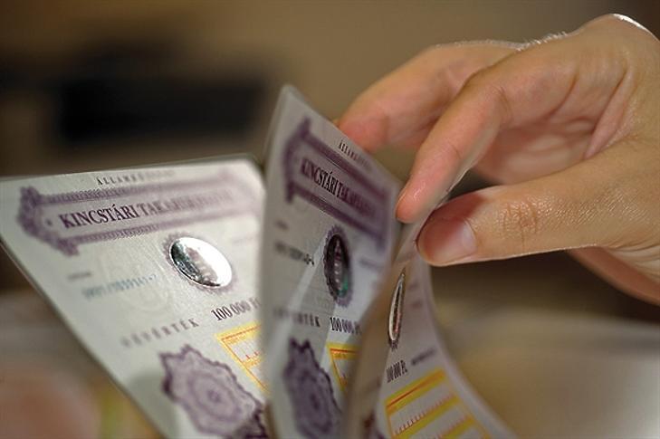 2,5 milliárd euró értékben keltek el a devizakötvények