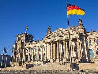 Vírus: tüntetők és ellentüntetők masíroznak Berlinben a hétvégén