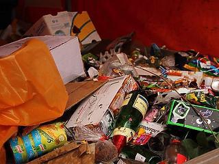 Évente 2 millió tonna élelmiszert dobunk ki