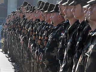 Rengeteget túlóráztak a katonák idén is
