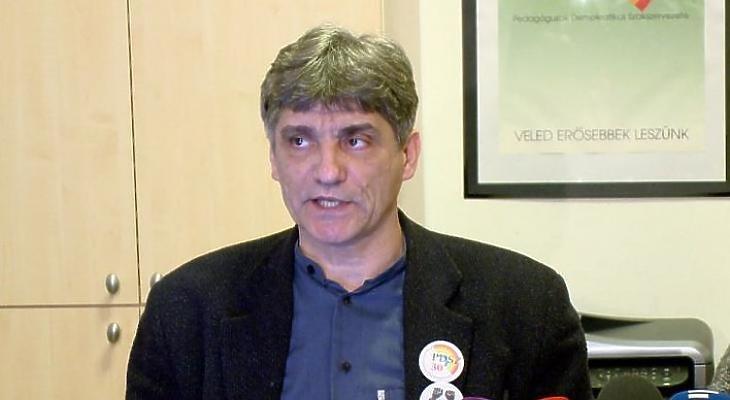 Lemondott Szűcs Tamás, a Pedagógusok Demokratikus Szakszervezetének elnöke. Fotó: szakszervezetek.hu