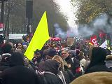 Folytatódott a milliós tüntetés a nyugdíjreform ellen
