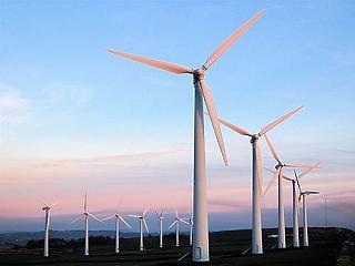 Brüsszel 2050-re klímasemlegessé tenné Európa gazdaságát, de ez évi 290 milliárd euróba is kerülhet