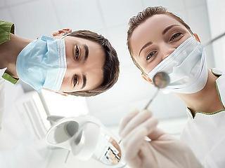 Több pénzt kapnak a fogorvosok és a betegszállítók