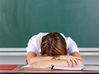 Pedagógusok Szakszervezete: kezeljék kiemelten a pedagógusokat az oltási ütemezésben!