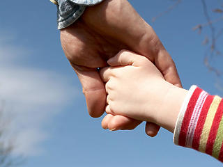 Egyszerűbben lesz a gyerekszületéssel kapcsolatos ügyintézés