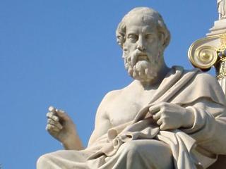 Saját jólétünk érdekében fontos megfontolni Platón mondását