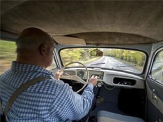 Az autók negyedét érinti csak a novemberi kötelező-kampány