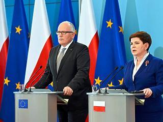 Ledobta az uniós atombombát az EB Lengyelországra