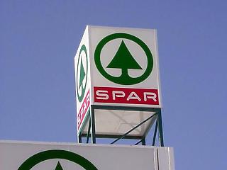 Magyar Nemzet: kivonulással fenyeget a Spar