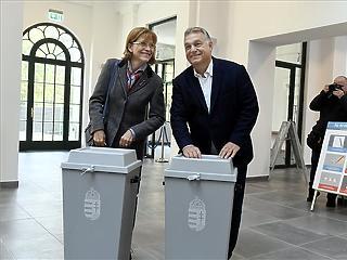 Orbán Viktor leszavazott, aztán megszólalt