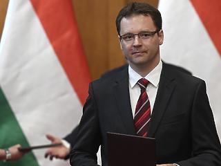 Izer Norbert váltja Tállait a NAV élén