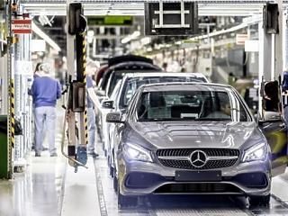 Meghosszabbították a kecskeméti Mercedes-gyár leállását