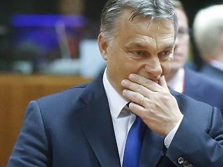 Hatalmasat ment a Népszava, tovább zuhan Orbán kedvence
