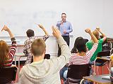 Üzentek a pedagógusok: béremelés nélkül nem lesz jövője az oktatásnak