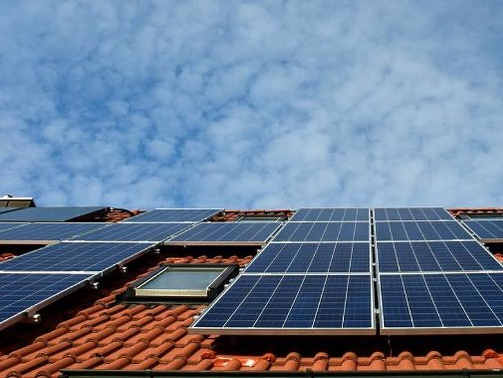 Több tetőre kerülhet napelem (Forrás: pixabay.com)