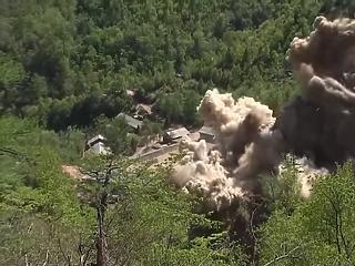 Így robbantotta fel nukleáris kísérleti telepét Észak-Korea
