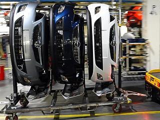 50 százalékkal zuhantak a brit autóipari beruházások az év első felében