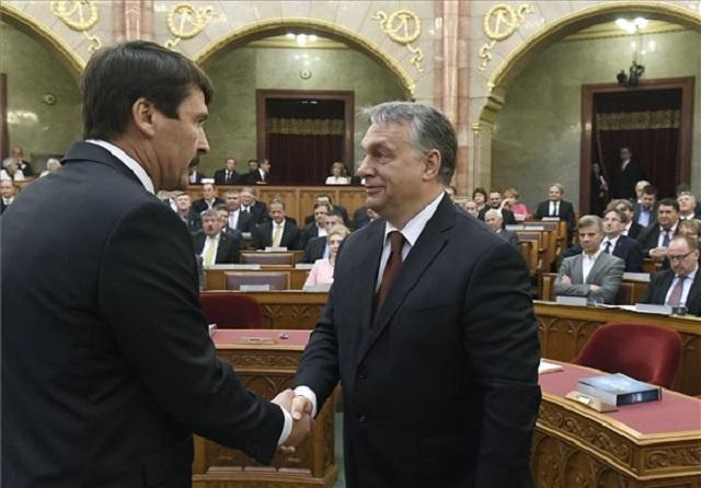 Áder János és Orbán Viktor az Országházban. (MTI)