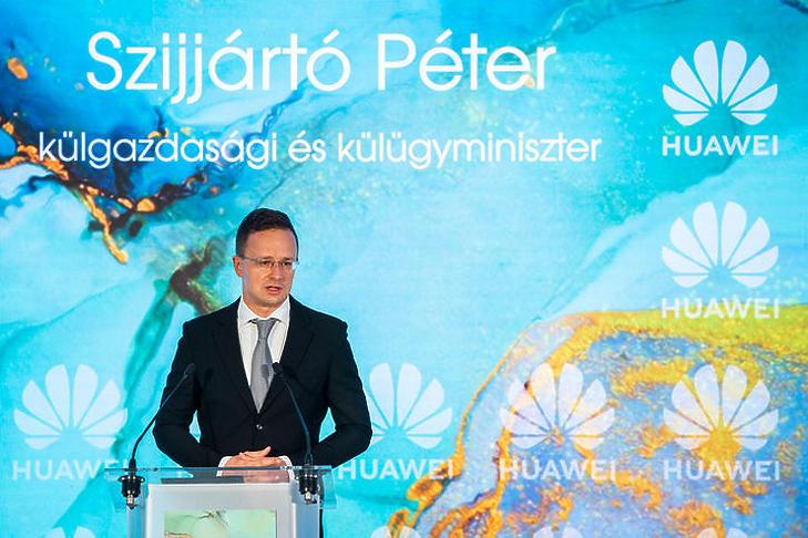 Szijjártó Péter avatta fel a Huawei budapesti K+F központját (Fotó: MTI/Mónus Márton)
