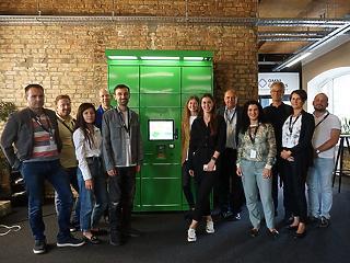 A Magyar Posta kiválasztotta a kültéri csomagpont szekrények szállítóját