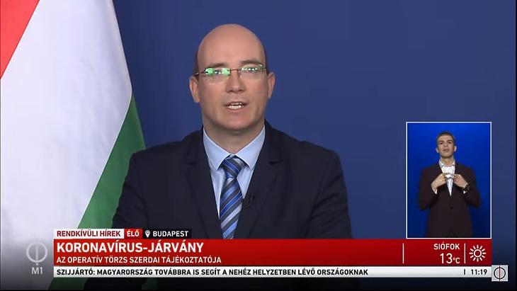 Maruzsa Zoltán köznevelésért felelős államtitkár sajtótájékoztatója 2020. április 9-én. (Forrás: M1)