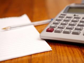 Számolja ki, idén mennyi marad a zsebében adózás után!