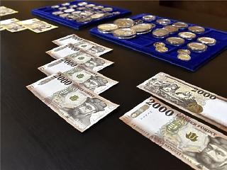 295 800 forintra nőtt a bruttó átlagkereset októberben