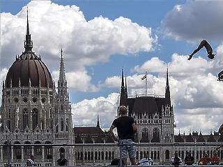 Történelmi kölcsönétől szabadult meg az Orbán-kormány