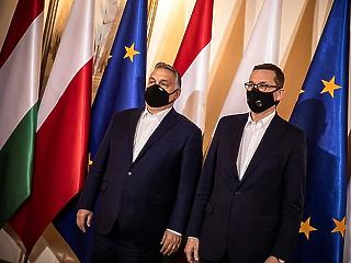 Mégis kitartanak a lengyelek az Orbán-kormány mellett