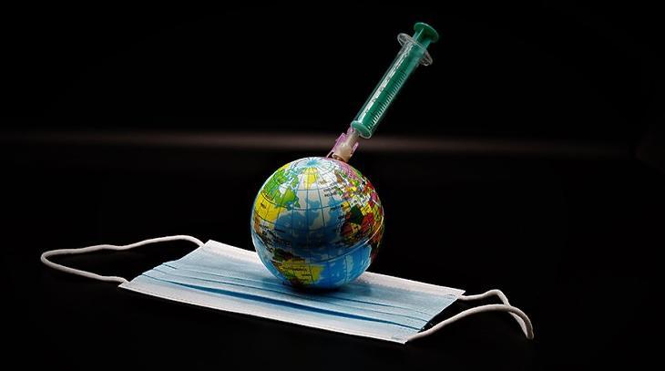 Ha nem kapunk észbe, 100 millió vakcina mehet a szemétbe. Fotó: Depositphotos