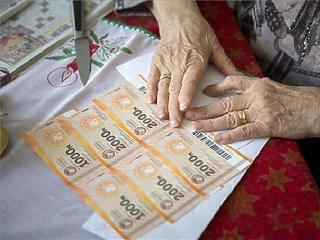 Húsvétra is megkaphatják az Erzsébet-utalványt a nyugdíjasok