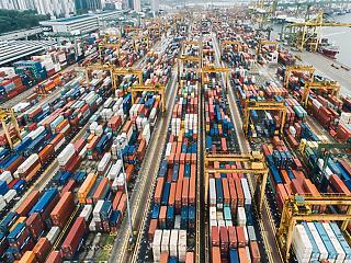 Zakatolt, fújtatott, szikrát hányt júliusban a külkereskedelem