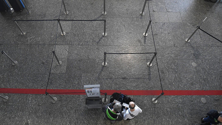 A Budapest Liszt Ferenc Nemzetközi Repülőtér tavaly márciusban, a koronavírus-lezárások kezdetekor. (Fotó: MTI / Kovács Tamás)