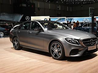Rekord: Soha ennyiért nem adtak még el Mercedeseket