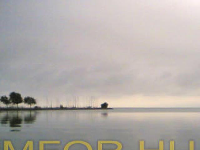 A kikötő látképe a Kádár-villa elől