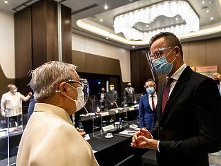 Magyar cégek tisztítják meg a legnagyobb Fülöp-szigeteki tavat
