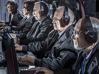 Több ötvenes, mint fiatal játszik számítógépen
