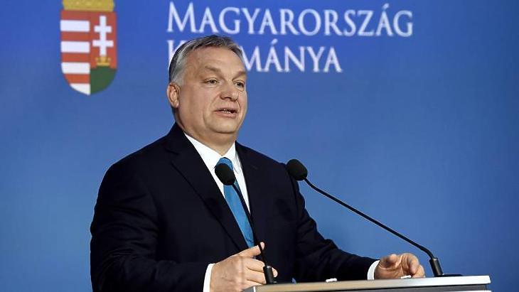 Orbán Viktor az idei Kormányinfón